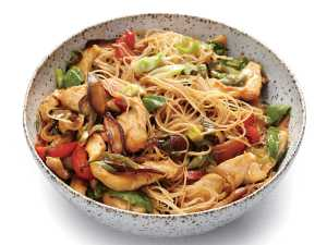 1501p118-chicken-rice-noodle-stir-fry-ginger-basil