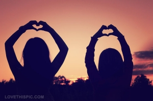 9198-heart-hands