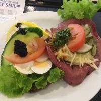 "My First Try of Denmark's National Foods: Danish ""Chlebíček"""